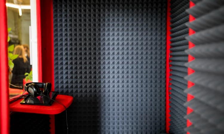 DIY Soundproof Booth