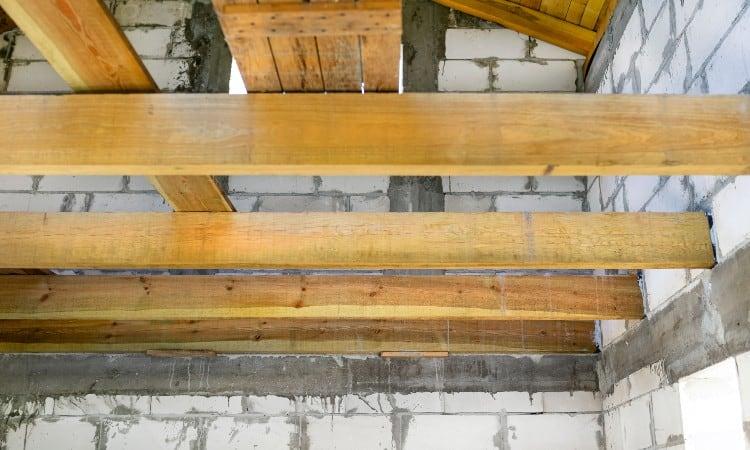 How far can you span a 2x6 ceiling joist