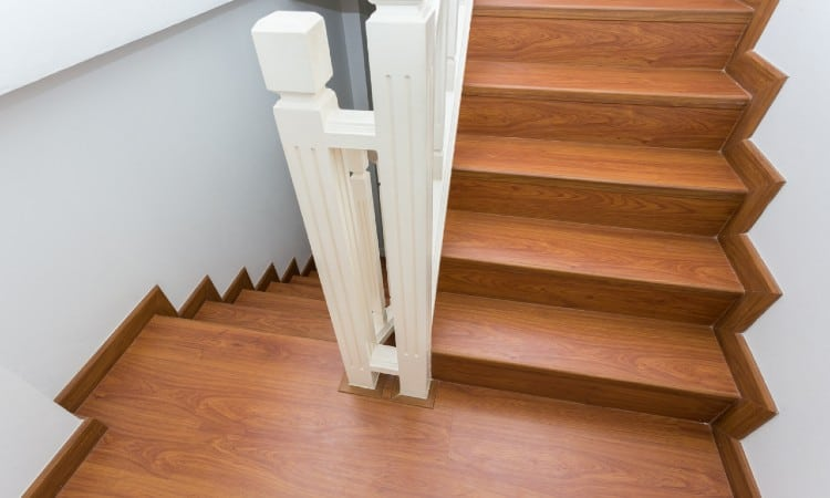 To Install Laminate Flooring On Stairs, How To Instal Laminate Flooring On Stairs