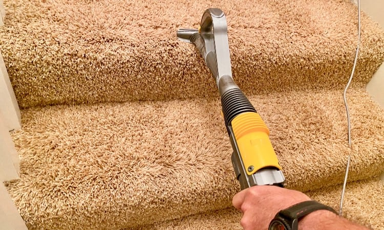 How to clean carpeted stairs